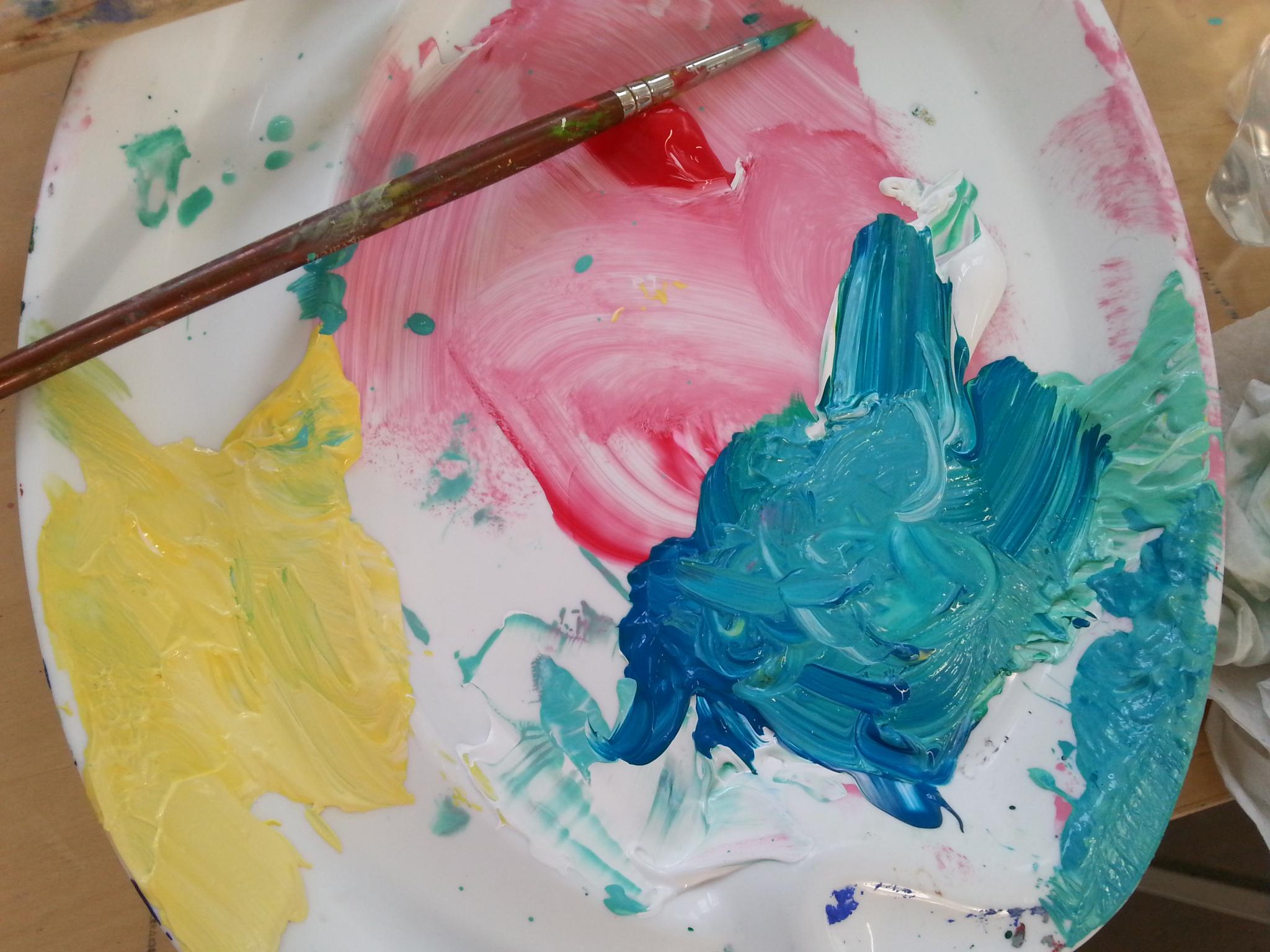 akryylin päälle maalaaminen